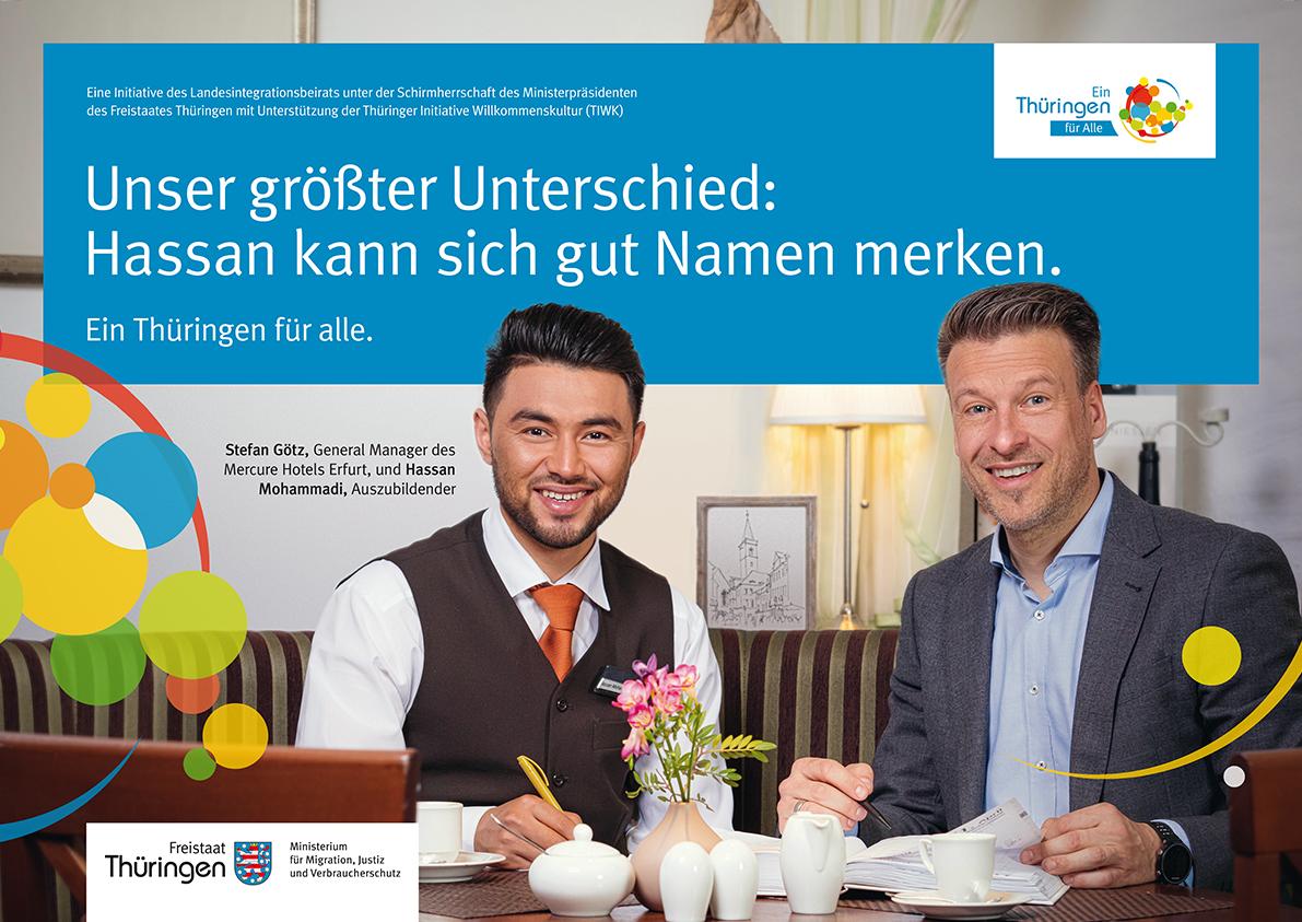 Stefan Götz, Geschäftsführer des Mercure Hotels in Erfurt und Hassan Mohammadi, Auszubildender im Mercure Hotel