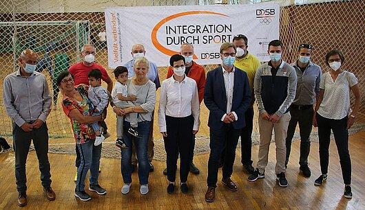 Migrationsminister Dirk Adams informiert sich über Sportangebote für Geflüchtete in der Erstaufnahmeeinrichtung in Suhl.
